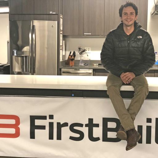 Tomás Garcés, ingeniero de FirstBuild: «El movimiento maker es el músculo que fomenta la innovación en la empresa»