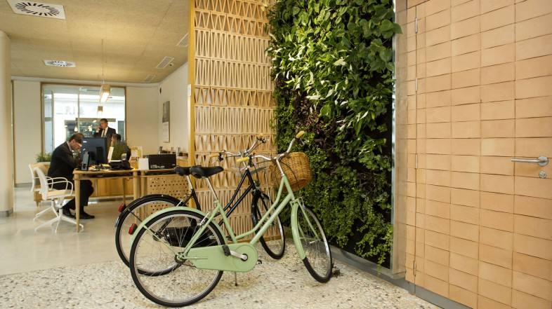 Eco-efficient commercial spaces: five commitments to sustainability