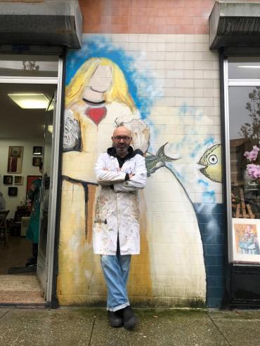 Eduardo Hermida es el artífice de la iniciativa de las Meninas de Canido, que ha devuelto la vida este barrio de Ferrol